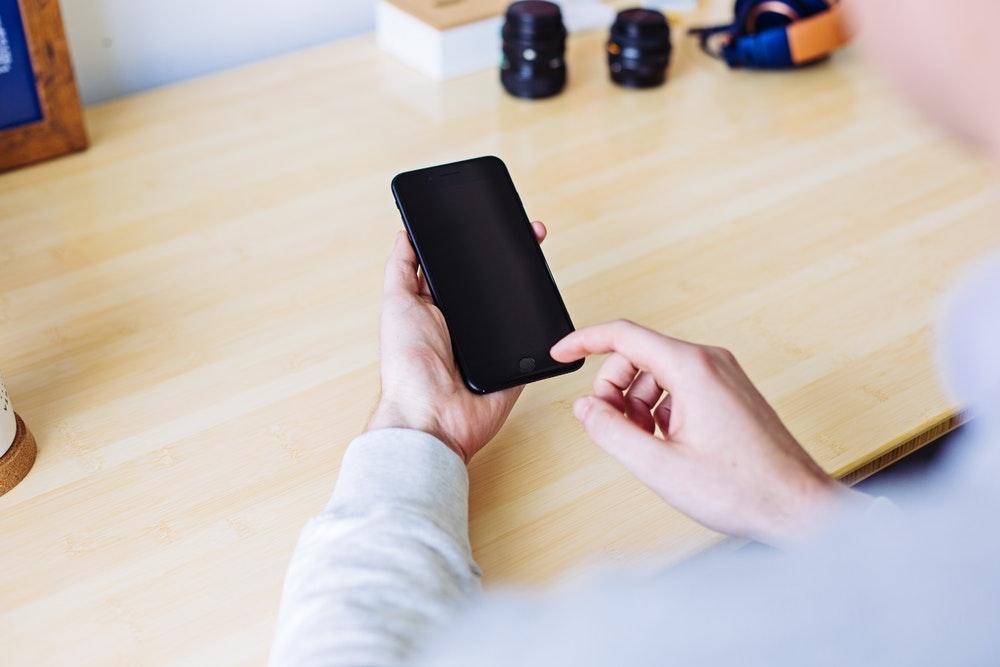 escolha celular 4G ou celular 5G